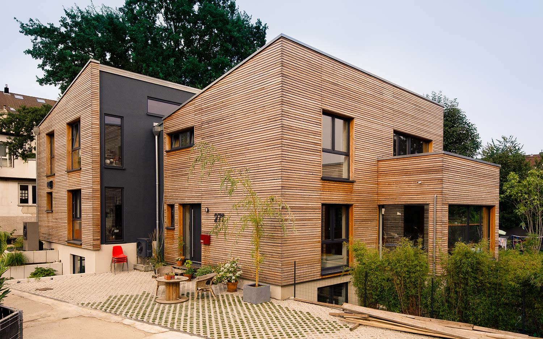 wunderbar holzrahmenhaus mit wohn galerie. Black Bedroom Furniture Sets. Home Design Ideas
